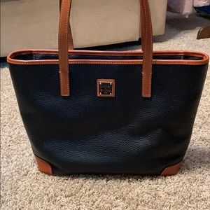 Vintage Dooney and Bourke Soulder Bag